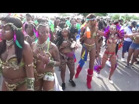 CARNIVAL MIAMI DANCE PARTY 2018 - WEST INDIAN GIRLS MUSIC DANCE PARTY PARADE AT MIAMI CARNIVAL