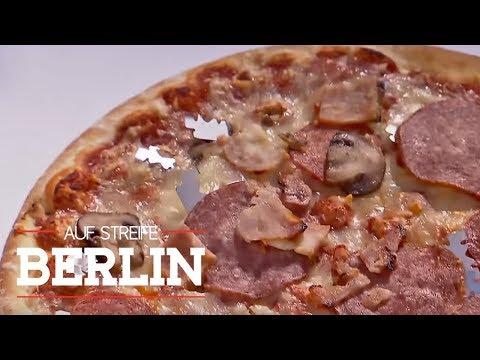 Hass auf Polizisten - Rasierklingen auf der Pizza | Auf Streife - Berlin | SAT.1 TV