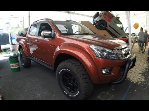 ISUZU D-MAX LS EXTREM SERIES 37 CUSTOM DOUBLE CAB PICK-UP ! WALKAROUND + INTERIOR ! RED COLOUR !