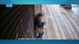 Celular é furtado no meio da rua em Cascavel