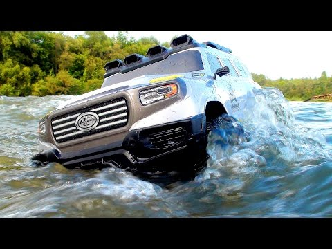 RC Extreme Pictures — RC Cars OFF Road 4x4 Adventure – Mercedes Ener G Force VS Axial Wraith