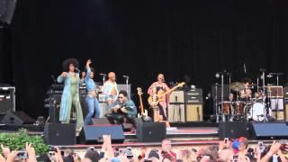 Lenny Kravitz   sufre penoso accidente en el escenario