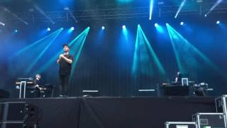 Chvrches - Under The Tide (Latitude Festival, 16/07/16)