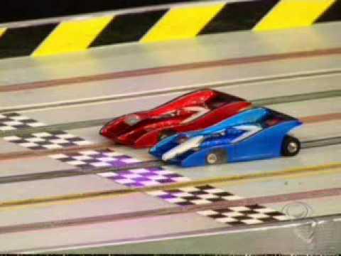 Autorama Slot Car – Felipe Massa disputando uma corrida em pista de Autorama com Santiago