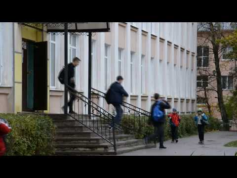 Вопрос дня: смогут ли новгородские родители выбрать школу для своего ребёнка?