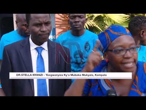 Dr. Stella Nyanzi azzizzaayo empapula ku FDC, aweze okulwanirira abakyala