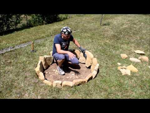 Feuerstelle für den Garten aus Steinen selbst bauen.