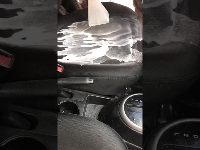 ניקוי ריפודי רכב בגל אור