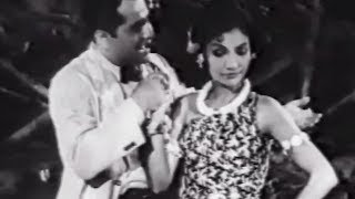 Romantic Song | Jungal Ke Jawahar (1952) - YouTube