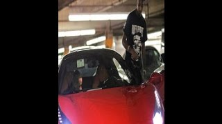 21 Savage Mocks Bankroll Fresh Death With No Plug And Drake Buys Him A Ferrari