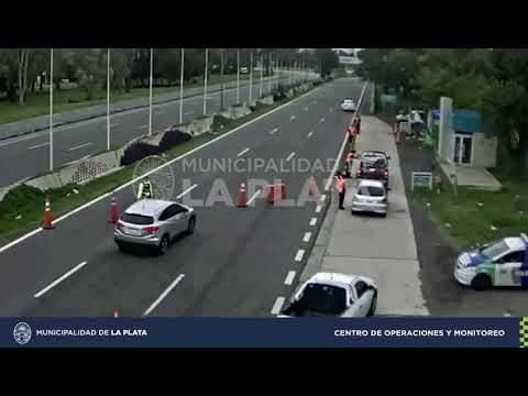 Video. Violó la cuarentena y le secuestraron el auto al bajar de la autopista