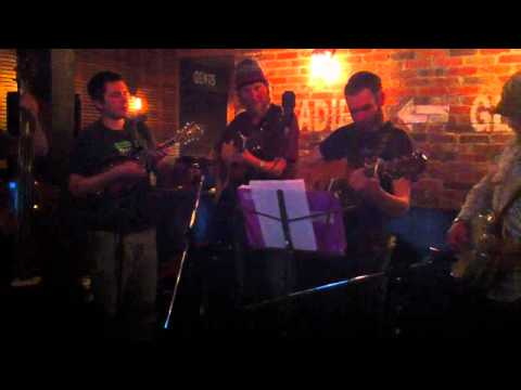 "Random Canyon Growlers play Bela Fleck's ""Whitewater"""