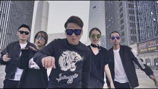 Video : China : XiaMen City Singers 醒耳人声乐团 - music