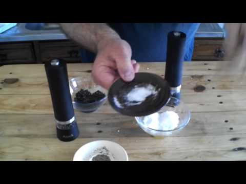 batteriebetriebene Salz und Pfeffermühle von Aicok