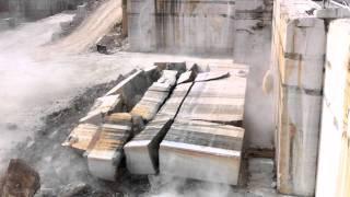 preview picture of video 'caduta parete di Travertino Romano - Cava Longarina, Guidonia Montecelio (Roma, Italia)'