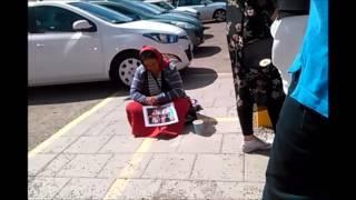 Tiggare vid parkeringsautomaten