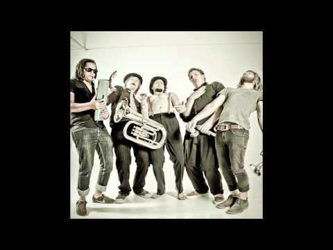The Nomadic Orchestra - Balkanto