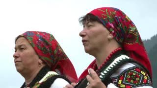 Мольфар Михайло Нечай и ансамбль дрымбарей. Гуцульска Щедрiвка.