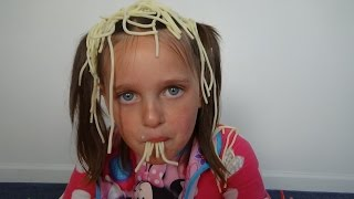 """Baby Annabelle Eats Spaghetti & Pees On Victoria Messy """"Toy Freaks"""""""