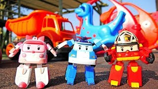 Spielzeuge für Kinder - Die Robocars auf den Spielplatz - Kindervideo auf Deutsch