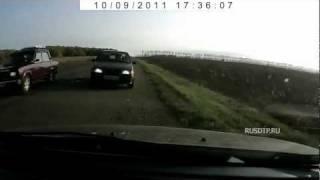 Смотреть онлайн Жуткая авария на трассе со смертельным исходом