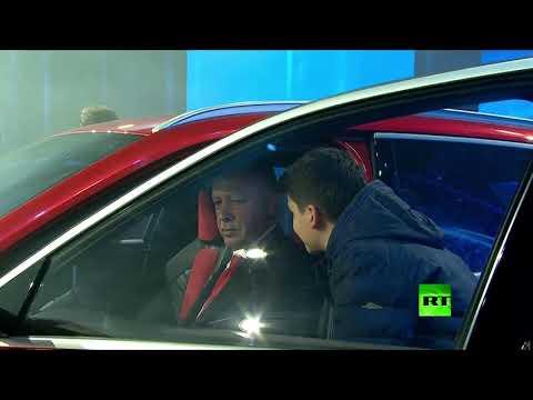العرب اليوم - شاهد: رجب طيب أردوغان يدشن أول سيارة كهربائية تركية