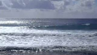 preview picture of video 'Cayman Surf 12/01/2010'