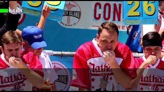 Гордость нации: американец установил рекорд, съев 72 хот-дога за десять минут