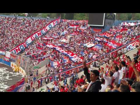 """Ultra Fiel - Dale alegría a mi corazón"" Barra: La Ultra Fiel • Club: Club Deportivo Olimpia • País: Honduras"