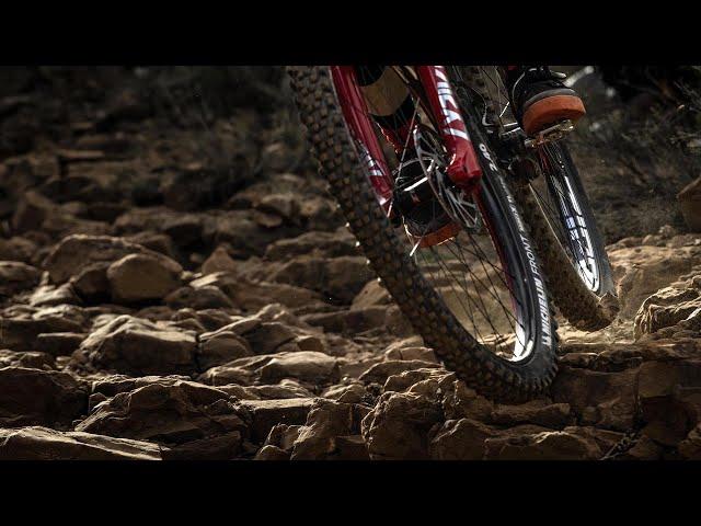 Видео Колесо переднее Zipp 3zero Moto Tubeless Disc Brake 6-Bolt 27.5 F 32Spokes 15x110mm Boost