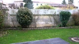 preview picture of video 'Angoulême  Angoulême  maison de ville 2 chambres bureau ga'