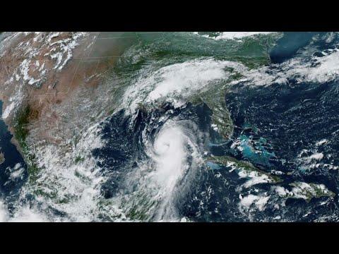 Hurricane Laura roars toward U.S. Gulf Coast, 'unsurvivable storm surge' forecast