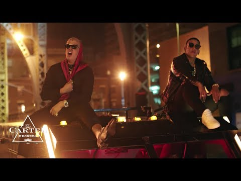 Daddy Yankee & Bad Bunny | Vuelve (Video Oficial)