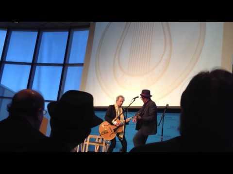 , title : 'Keith Richards e Elvis Costello em Boston 26/02/12'