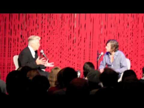 David Lynch har vært på et meget vellykket besøk i Norge og snakket om sitt verdensomspennende prosjekt med å lære Transcendental Meditasjon til utsatte grupper i samfunnet.