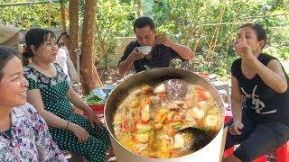 GÀ NẤU ỚT LÁ QUẾ NGOÀI VƯỜN | 7 Thuận #26