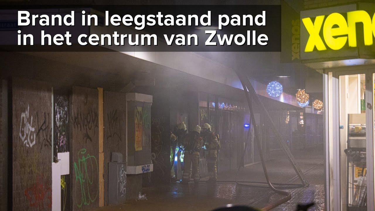 Brand in leegstaand pand centrum Zwolle – ©StefanVerkerk.nl