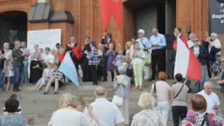 Katolicy podczas marszu w Białymstoku modlą się o… nawrócenie policjantów.