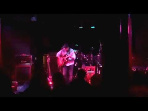 "Chris Masson  - ""He Wasn't There"" Live @ The Met Cafe (11.20.13)"