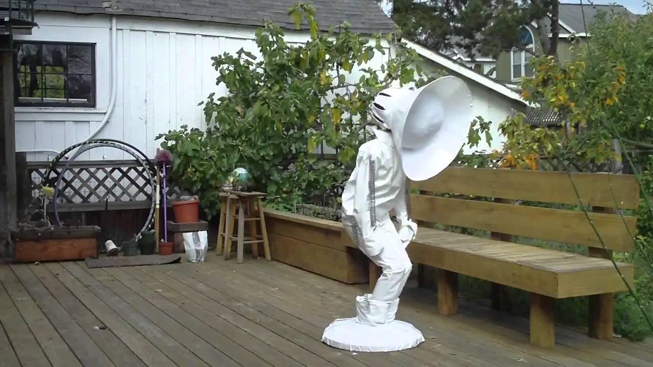 If You Love Pixar, Please Dress Up Like This Human Luxo Jr Lamp