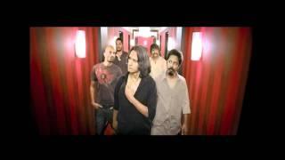 Trailer of Delhi Belly (2011)