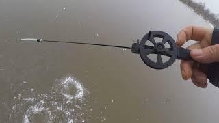 Ловля плотвы на озерах по первому льду