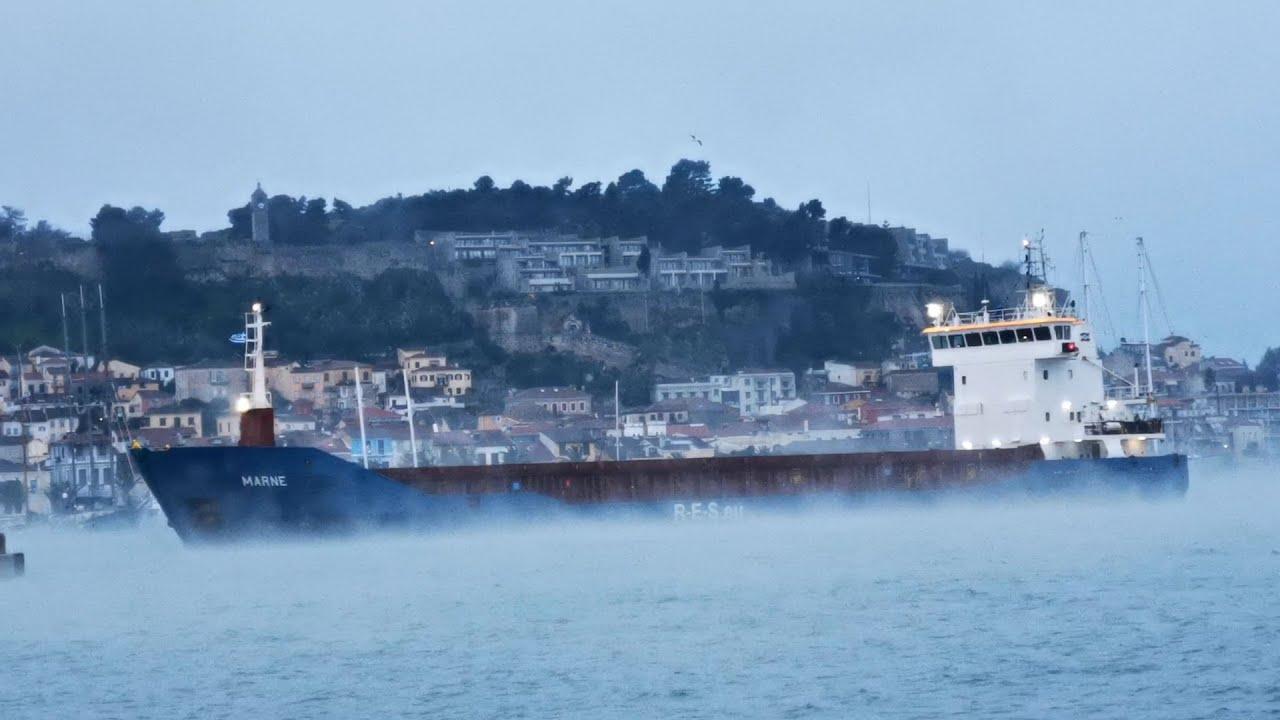"""Ναύπλιο: Χιόνια και εντυπωσιακό φαινόμενο με τη θάλασσα να """"βράζει"""""""