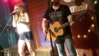You Rock My Rodeo (Acoustic Live from Gwdihw, Cardiff) - SaraBeth & Glen Mitchell
