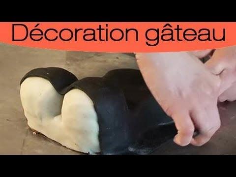 comment appliquer de la pate d'amande sur un gateau