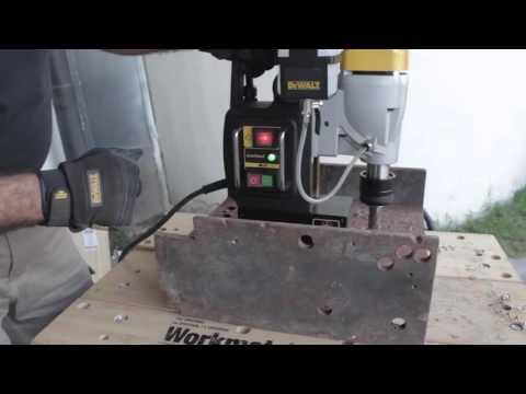 Сверлильный станок на магнитной подошве DEWALT DWE1622K