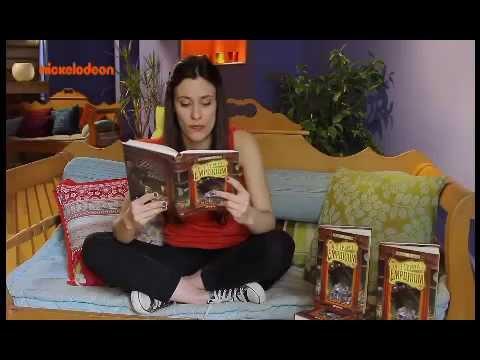 Η Μαριάνθη διαβάζει από το βιβλίο Emporium-Οι 3 γρίφοι A΄