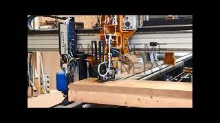 Isolatiemateriaal automatisch op houten frame nieten