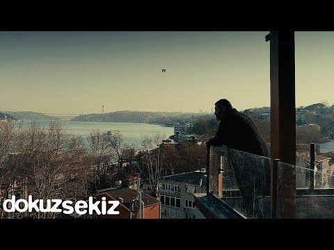 Hakan Altun - Ne Gelen Ne Soran Var (Official Video) Sözleri