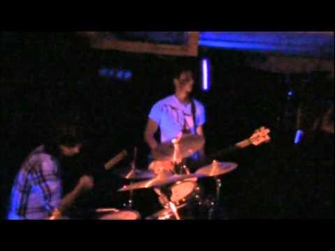 Trellis of the Vine - Beautiful Girl (live)